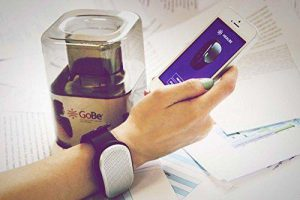 healbe-gobe-braslet-upakovka-smartfon